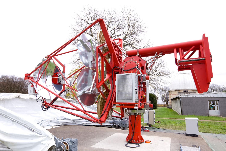 Premi re lumi re cherenkov du gamma ray cherenkov for Miroir pour telescope